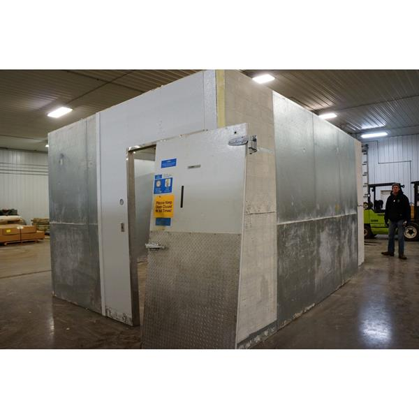 "16'10"" x 17'4"" x 9'6""H Kysor Walk-in Cooler or Freezer"