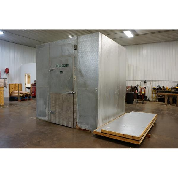 "7'3"" x 8'9"" x 9'H Crown-Tonka Walk-in Cooler"