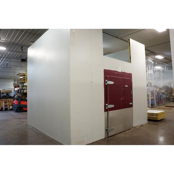 "14' x 15'6"" x 13'8""H Hussmann Walk-in Cooler"