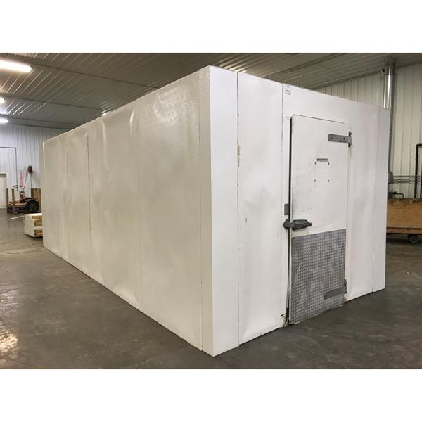 "10' x 22' x 8'5""H National Coolers Walk-in Cooler"