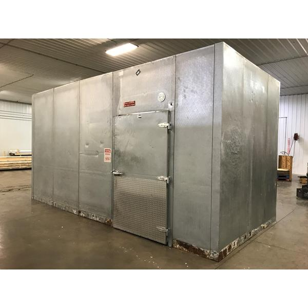 "9' x 19'6"" x 9'11""H Crown-Tonka Walk-in Cooler"