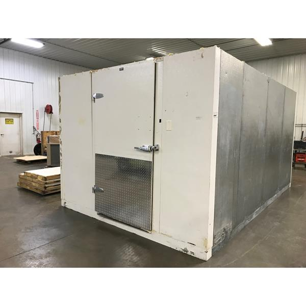 "9'8"" x 15' x 7'11""H Tonka Walk-in Cooler with Floor"