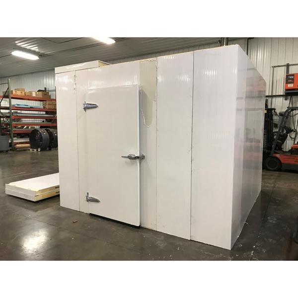 "9'10"" x 9'10"" x 8'H Walk-in Cooler"