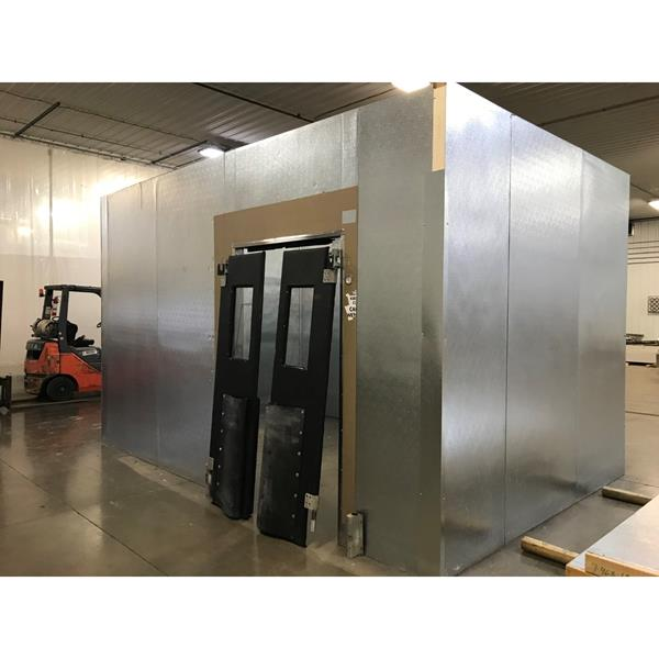 "10'5"" x 15'8"" x 10'H National Coolers Walk-in Cooler"