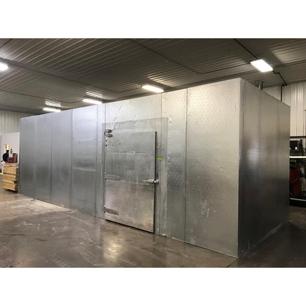 "10'5"" x 28'10"" x 10'2""H National Coolers Walk-in Cooler or Freezer"