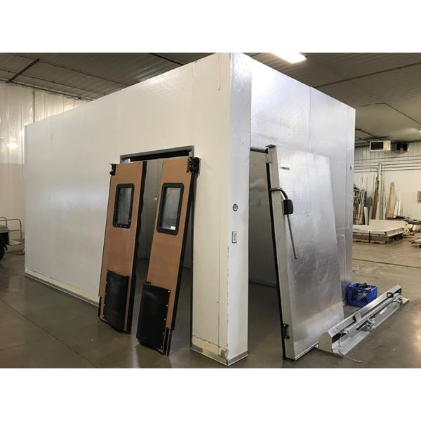"10' x 18' x 10'4""H Kysor Walk-in Cooler with Sliding Door"