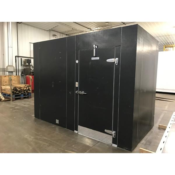 "5'10"" x 10'8""' x 8'2""H Hussmann Walk-in Cooler with new condensing unit."
