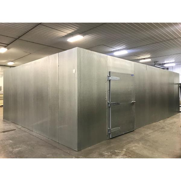 "20'9"" x 29'5"" x 9'5""H Crown-Tonka Walk-in Cooler with (6) Anthony Glass Doors"