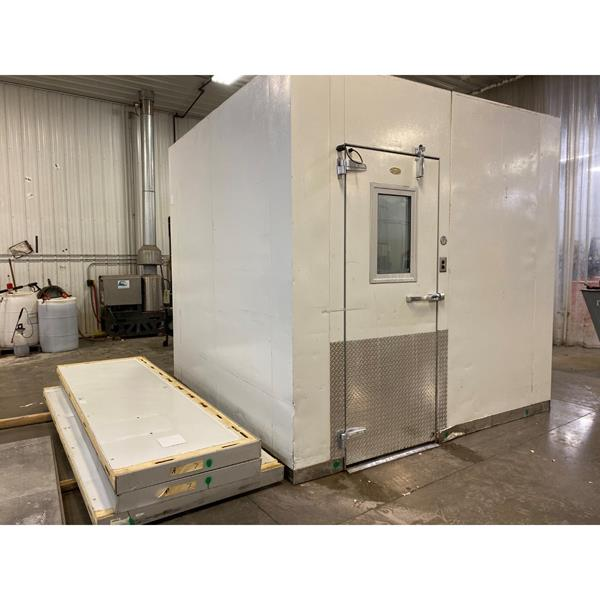 "9'8"" x 9'8"" x 9'8""H WA Brown Walk-in Freezer with Floor"