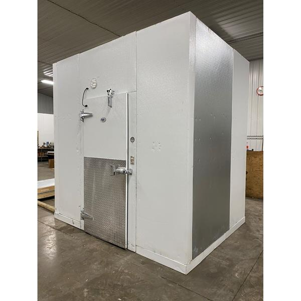 "7' x 9'6"" x 10'1""H KPS Walk-in Freezer with Floor"