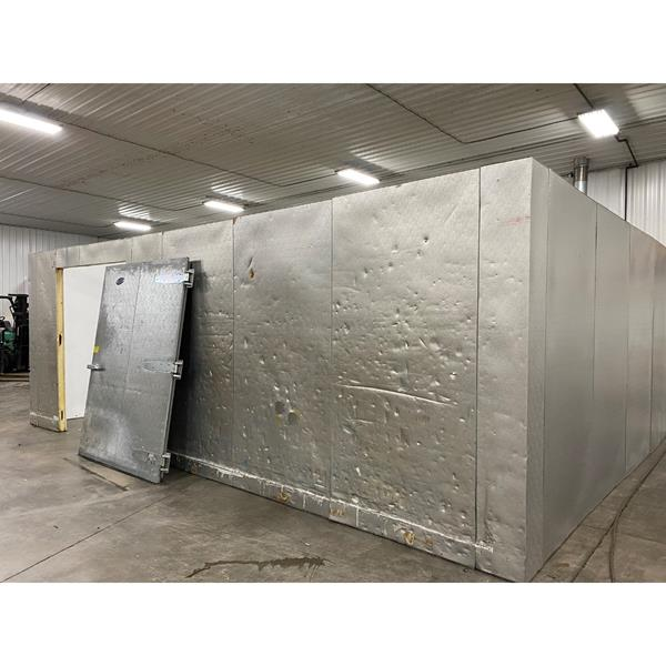 "17'4"" x 23'1"" x 8'5""H (9'5""H w-beam) Brown Walk-in Cooler"