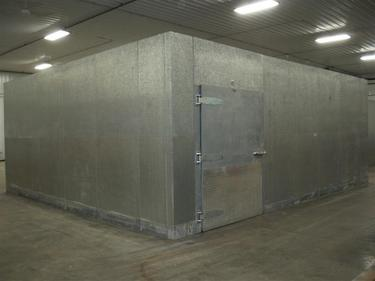 Tonka 21 X 24 X 9 4 Quot H Walk In Cooler Or Freezer Barr